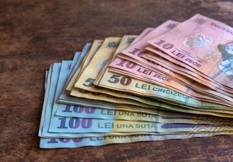 AOAR: Devansarea creșterii salariului minim reprezintă o măsură populistă