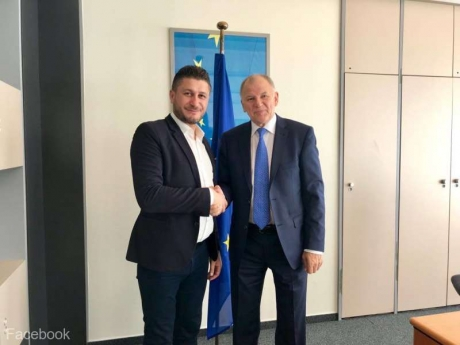 UE a alocat două milioane de euro pentru distrugerea focarelor de pestă porcină, afirmă eurodeputatul Mihai Ţurcanu