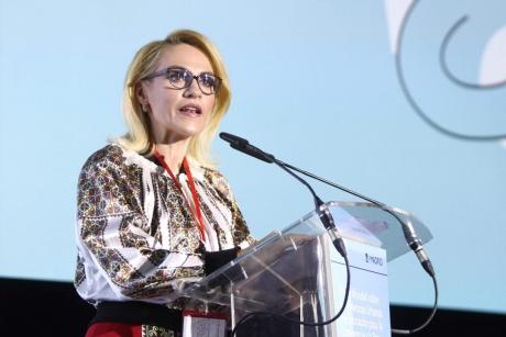 Se cere DEMISIA Gabrielei Firea după vizita la Madrid: O situație inadmisibilă şi jignitoare la adresa comunităţii româneşti