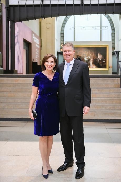 ALERTĂ Carmen Iohannis nu merge la audieri: Avocatul soției președintelui a informat Parchetul