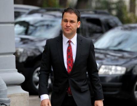 Scandal URIAȘ pe bani între primari și Guvern! Robert Negoiță a părăsit supărat discuțiile cu Teodorovici: 'Vorbe goale, vorbe în vânt. Ne mint pe toți'