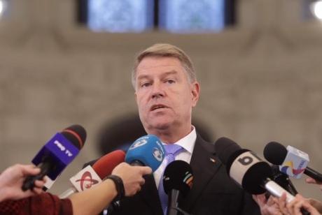 Klaus Iohannis BLOCHEAZĂ schimbările din Guvern până după 1 Decembrie: Nu se va întâmpla nimic până atunci! Această guvernare e un carusel