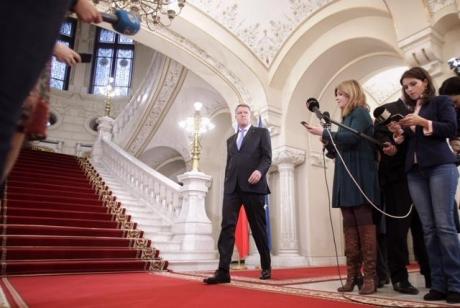 Klaus Iohannis ÎȘI CERE SCUZE, după afirmațiile de marți seara: 'Nu a avut, sub nicio formă, intenţia de a încălca dreptul la demnitate al persoanelor' - VIDEO