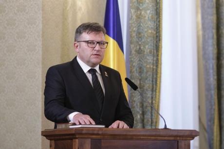 Ministrul Muncii anunță o NOUĂ GRATUITATE - Toți elevii ar putea beneficia de ea