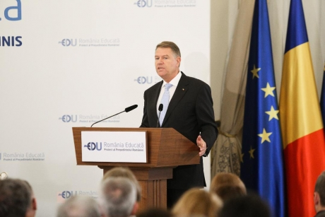 President Klaus Iohannis: 'We are at a stage when very many politicians are losing touch with people'