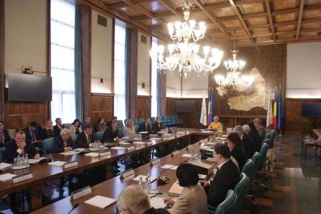 Coaliția, sub presiune: Opoziție depune moțiunea de cenzură împotriva Guvernului PSD-ALDE