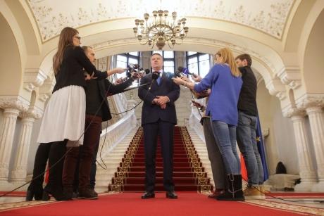 În plină nebunie legată de Brexit, Klaus Iohannis pleacă la Bruxelles, la Consiliul European