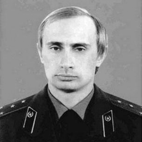 Detalii necunoscte despre părinții lui Vladimir Putin, găsite într-un articol de presă mai vechi: tatăl său era violent