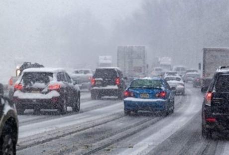Infotrafic: Pericol de formare a poleiului pe Autostrada Bucureşti – Piteşti
