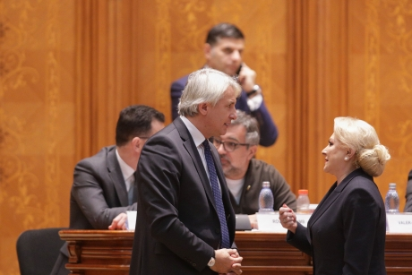PSD taie în carne vie în Guvern. Teodorovici scoate biciul la miniștri: Vor avea viață grea!