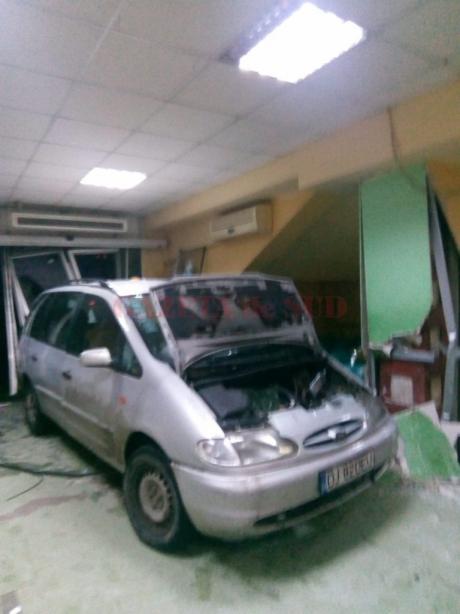 ULTIMA ORĂ - Decizie a Poliţiei în cazul bărbatului care a intrat cu maşina în Spitalul Judeţean Craiova