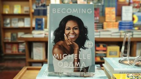 Cartea de memorii scrisă de Michelle Obama, vândută în peste 10 milioane de exemplare