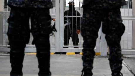 Armata europeană în care VIOLURILE sunt la ordinea zilei: Mărturiile femeilor și bărbaților au ȘOCAT o țară întreagă