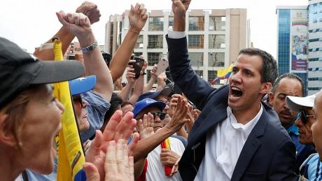 Juan Guaido își consolidează pozițiile: Parlamentul a aprobat noii ambasadori propuși de președintele interimar
