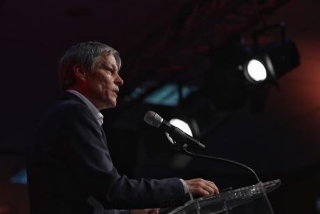 REACȚIA lui Dacian Cioloș în scandalul secțiilor de vot: Reprezentații USR-PLUS să nu se lase intimidați!