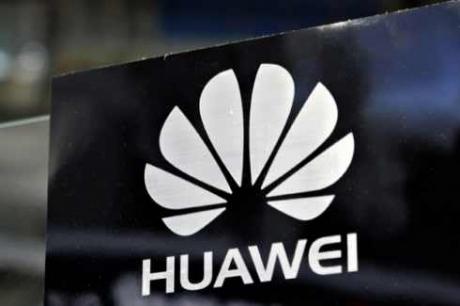 Sacțiunile SUA lovesc puternic Huawei - Livrările de smartphone-uri ar putea scădea cu până la 24%