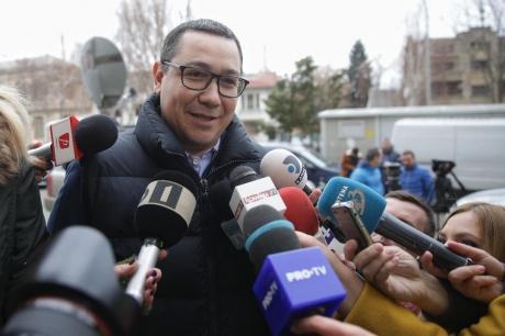 Victor Ponta DISTRUGE campania online a celor de la PSD: 'Îi consideră pe toți românii proști și total neinformați'