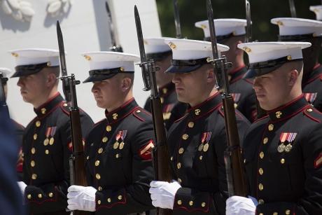 Primele reacții nervoase din partea militarilor americani împotriva Zidului lui Trump. Comandantul US Marine Corps protestează: `risc inacceptabil`