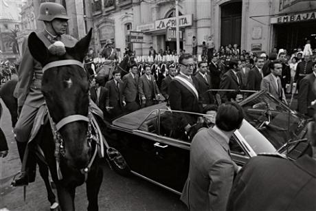 Dezvăluiri din timpul dictaturii lui Pinochet: 11 foşti militari, condamnaţi pentru că au incendiat doi tineri