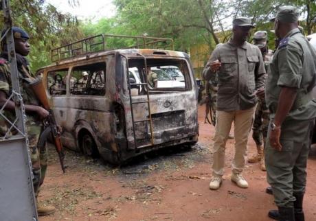 Masacru etnic în Mali: Peste 110 morți, printre care copii și gravide