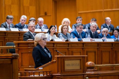 Viorica Dăncilă forțează autonomia culturală în Parlament: mutare-surpriză în criza guvernamentală