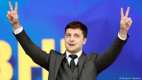 Volodimir Zelenski a lansat marţi un apel către ucraineni să nu se lase înşelaţi şi să nu-i voteze pe 'escroci'