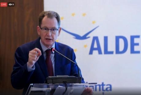 VIDEO - Fost lider ALDE prezice la București răsturnarea Brexitului