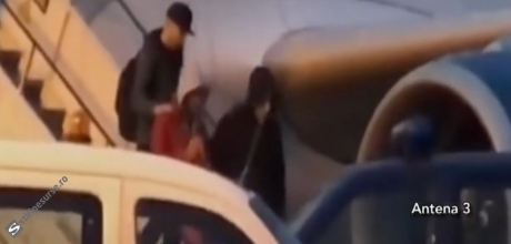 VIDEO Primele imagini cu Radu Mazăre în România: Ce i-au făcut polițiștii chiar pe scara avionului