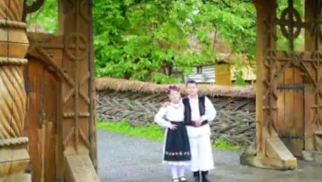 După maneaua lui Guţă, PSD 'loveşte' cu un cântec popular interpretat de copii: 'Frunză verde de bostan, eu nu-i fac sluj lui Timmermans' (VIDEO)