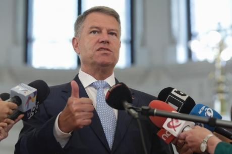 Klaus Iohannis jubilează după decizia CCR - Parlamentul, somat să transpună în legislație toate prevederile stipulate în Acordul Politic Național