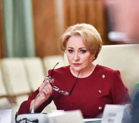 PM Dancila: Waiting for President's response to ministerial picks, wish new colleagues take office as soon as possible