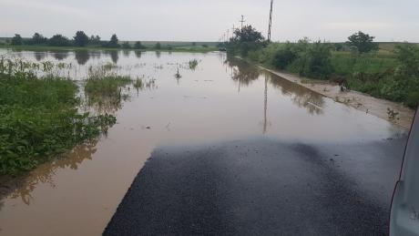 INHGA: Cod galben de inundații pe râuri din cinci județe