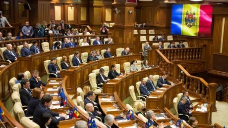 Se complică situația la Chișinău: noua putere împiedică anchetarea banilor veniți din Rusia