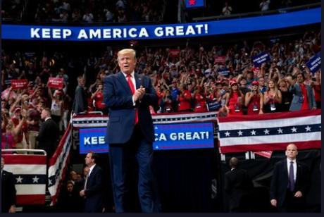 Bubuie un nou scandal în SUA: 'există dovezi substanțiale că Donald Trump a comis infracțiuni grave'