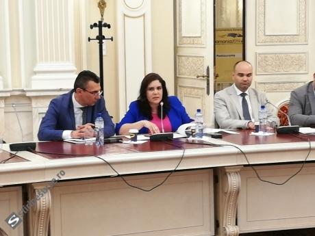 Comisia de cod electoral: MAE acuză că votul la europarlamentare + referendum a durat 6-8 minute în străinătate și face PROPUNERI de schimbare a legii