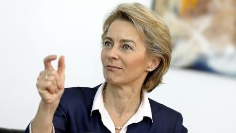 Ursula von der Leyen vrea să PRELUNGEASCĂ NEBUNIA - Candidata la șefia CE ar putea susține o nouă amânare privind Brexit