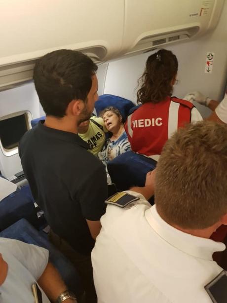 IMAGINI TERIBILE la bordul unui avion, pe Aeroportul Otopeni, cu o femeie: Au fost chemați ofițerii de securitate