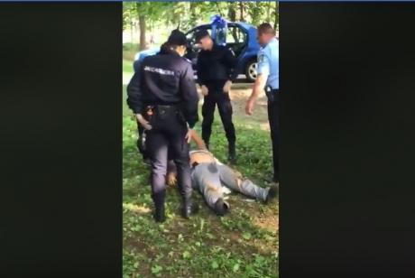 Bărbat din Vatra Dornei acuzat de pedofilie a murit după o intervenție a jandarmilor / VIDEO