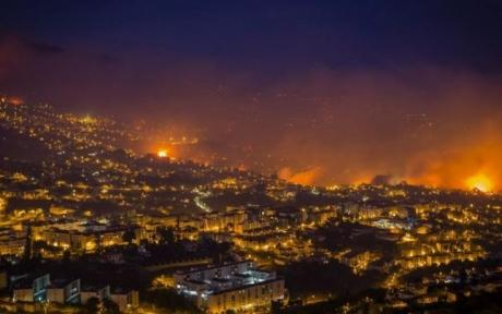 VIDEO - Portugalia, mistuită de flăcări: populația, evacuată după ce incendiile au scăpat de sub control