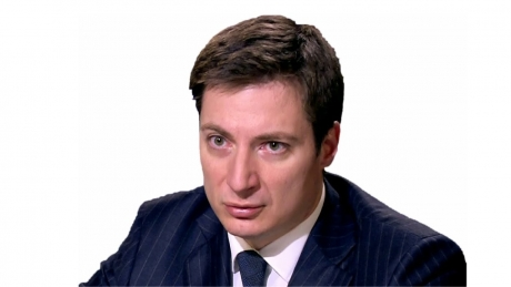 Andrei Caramitru îi dă o lovitură grea lui Klaus Iohannis: Logic și normal e să-l votăm toți pe Dan Barna în turul I. În turul II să nu mai votăm mesianic
