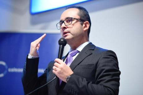 Cristian Bușoi: Comisia Europeană a suplimentat fondurile pentru a găsi un vaccin împotriva COVID-19, care ar putea fi testat în iunie anul acesta