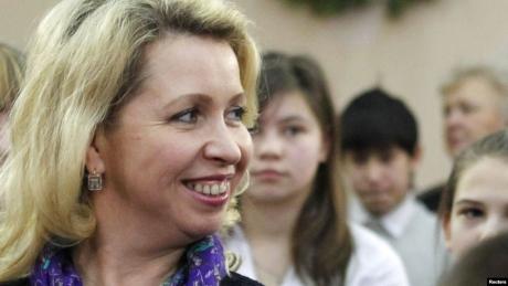 Made in Rusia: Soția premierului se plimbă doar cu avionul privat, iar jurnaliștii televiziunii de stat n-au avut curaj să îl întrebe pe Medvedev