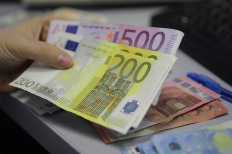 Euro CREȘTE din nou: BNR cotează moneda la  4,8698 lei