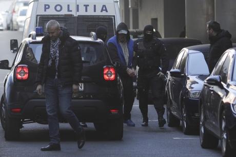 Acuzații INCENDIARE - Dincă a reclamat că ar fi fost bătut de forţele de ordine! Procurorii au deschis dosar penal