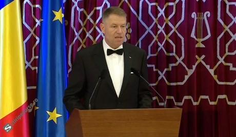 Klaus Iohannis, despre militarii întorşi din teatrele de operaţii: 'E important să fie lansate şi implementate programe pentru ei'