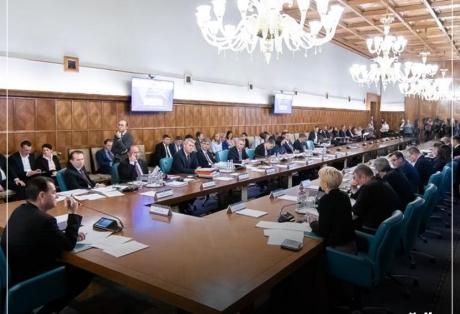 VIDEO Ministrul care l-a surprins pe Ludovic Orban, în ședința de guvern: 'Ultima oară am stat o oră și jumătate acolo'