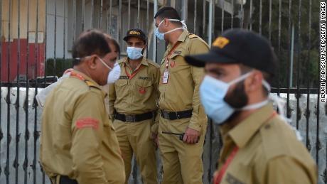 TRAGEDIE în Pakistan - O scurgere suspectă de gaze toxice a ucis 14 persoane și a îmbolnăvit alte 500