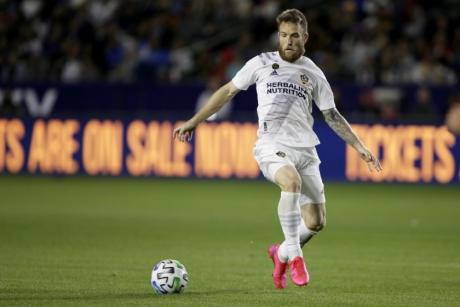 Jucătorul sârb Aleksandar Katai a fost dat afară de la echipa Los Angeles Galaxy, pentru postări rasiste şi violente