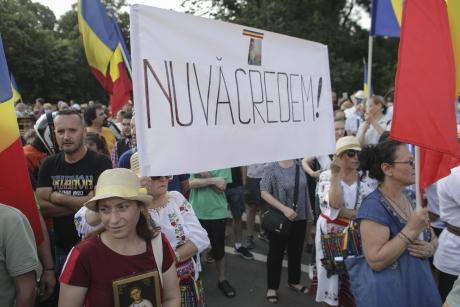 Protest împotriva Legii carantinării, în Piața Victoriei: Vrem eliberare, nu carantinare