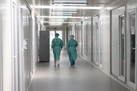 Protest la Spitalul Witting din Capitală - Medicii spun că unitatea nu poate fi suport COVID, dar managerul îi contrazice